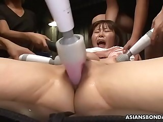 Eri Makino likes everything guys are doing with her body