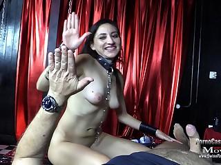 Noemi 21j. beim BDSM SklavenCasting